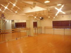 豊洲のヨガ教室のスタジオ風景